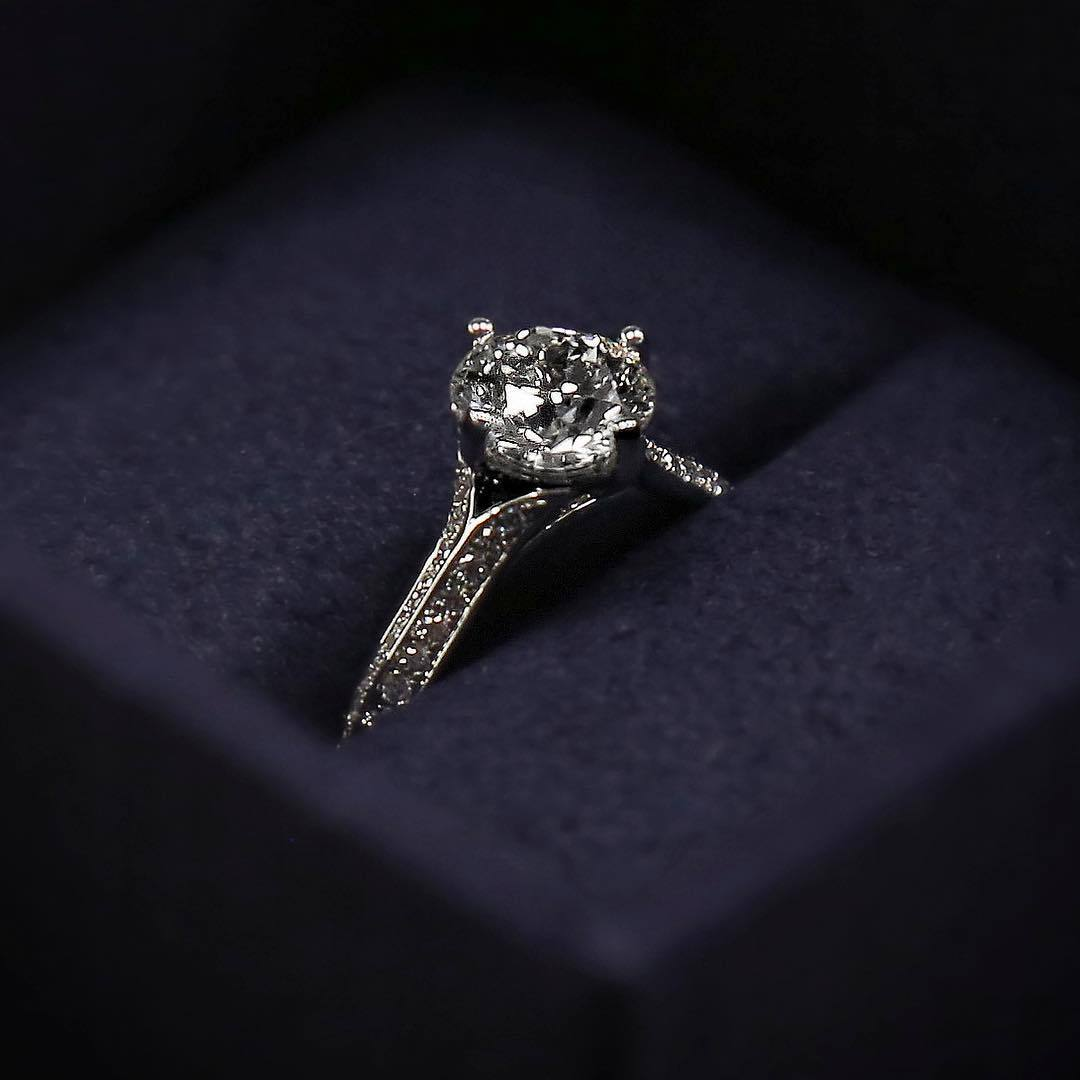 What Makes Striking Jewelry A Perfect Gift For Women